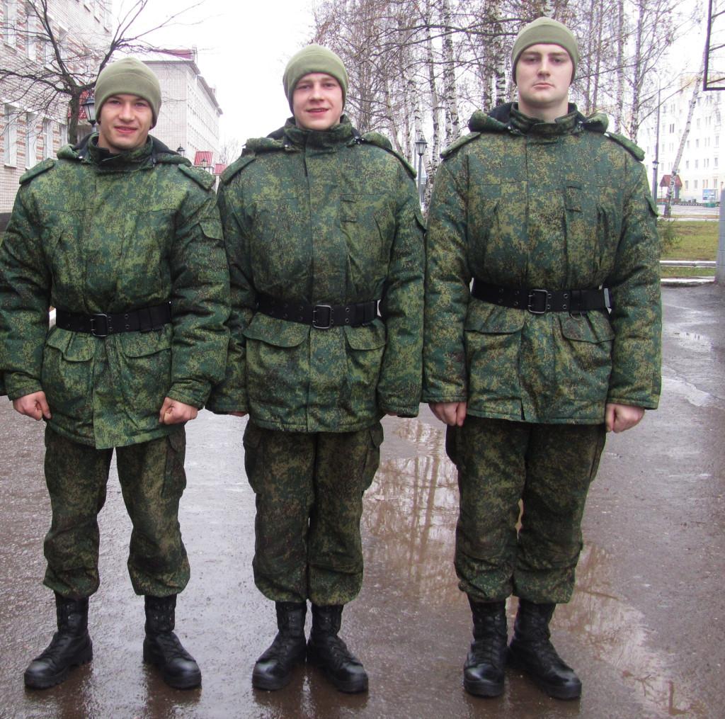 Илларионов Дмитрий (слева), Илья Шарыгин (в середине), Иван Виноградов (справа)