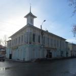 Бывший магазин И.А.Елисова. В начале ХХ века в нем размещался кинотеатр «Амур».