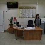 К услугам посетителей стол информации и банковские терминалы