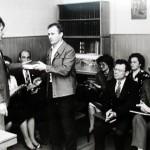 Чествование внештатных авторов. Слева – редактор А.Ф. Щелков. 1980-е гг.