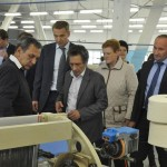 Замминистра промторга В.Л.Евтухов (четвертый слева) на Кинешемской прядильно-ткацкой фабрике.