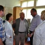 Профессор И.И.Бортников (в центре) с главой города М.А.Батиным на очистных сооружениях