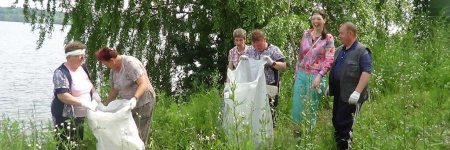 Экологический субботник в районе пляжа фабрики №2.