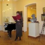Ведущая презентации директор музея И.И. Бабанова зачитала приветственный адрес от областного представительства Союза архивистов России.
