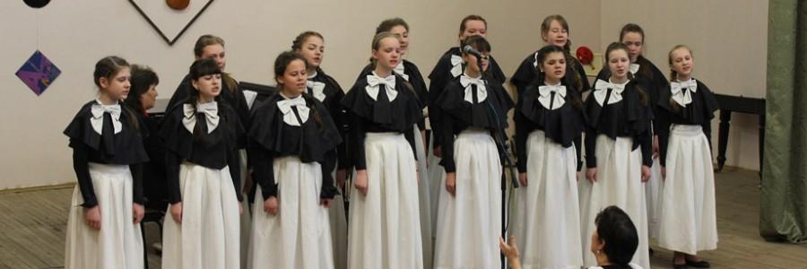 Вокальный ансамбль «Акварель» детской школы искусств (руководитель Т.В.Новикова).