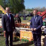 Гости праздника депутат областной Думы М.В.Кизеев и глава Кинешемского района С.В.Герасимов.