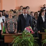 Руководитель Кинешмы А.В.Пахолков на торжественной линейке в школе №19