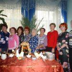 Участники «Осеннего марафона» за чайным столом.