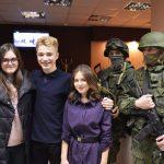 После премьеры. В центре режиссер Рустам Алиев и оператор Мария Попилян.
