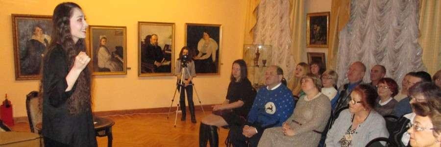 Актриса Э.Манапова читает стихи Марины Цветаевой.