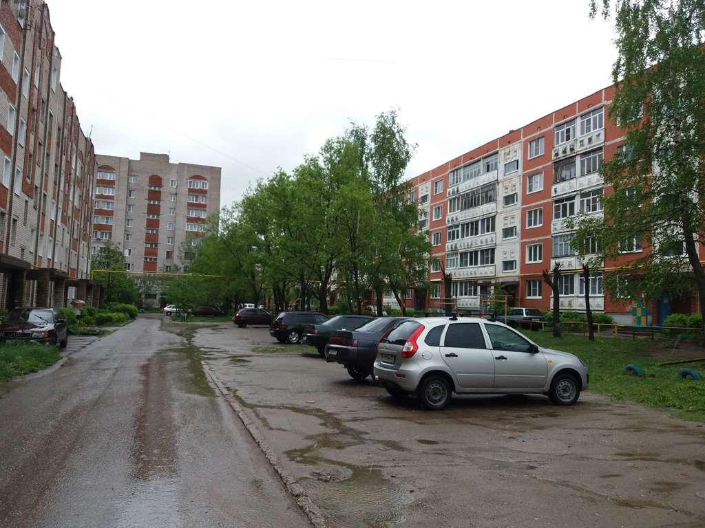 Жители домов №№9, 9а, 13 по ул. Красноветкинская сообща решили участвовать в программе благоустройства дворов.